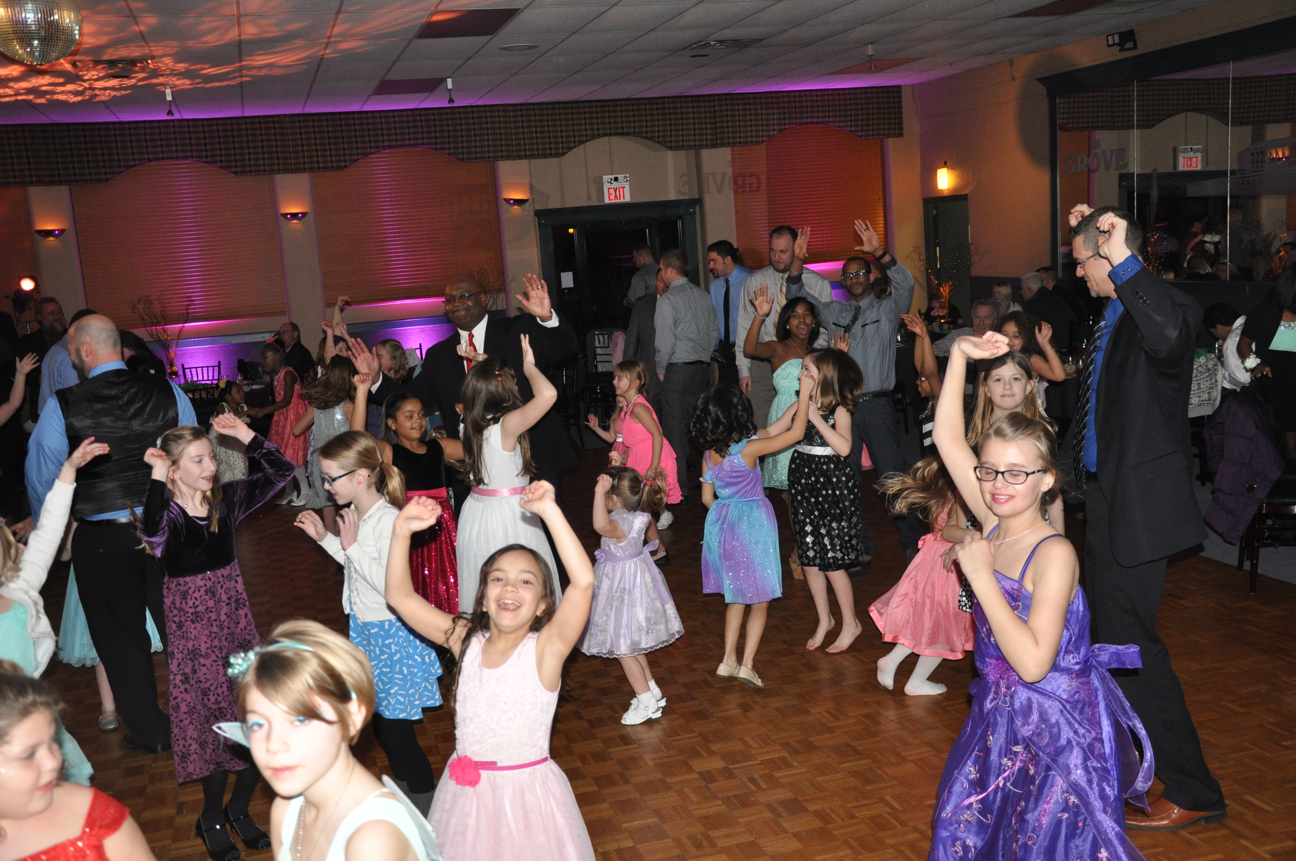daddy daughter dance springfield township arts foundation oh